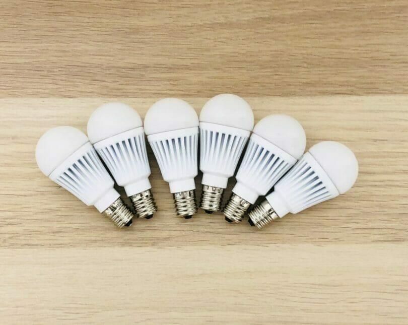 +styleのE17スマート電球6個を並べてみた