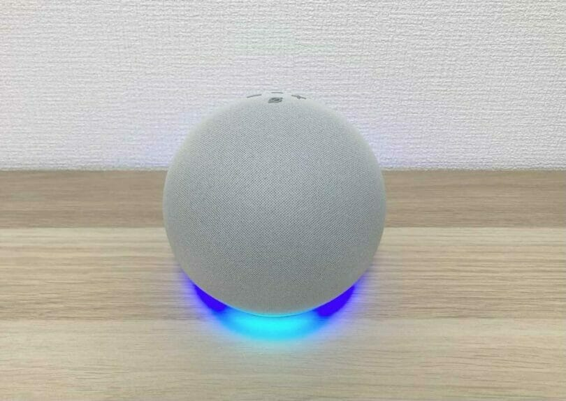 Echo第4世代のアレクサ(ブルーのリングライト)
