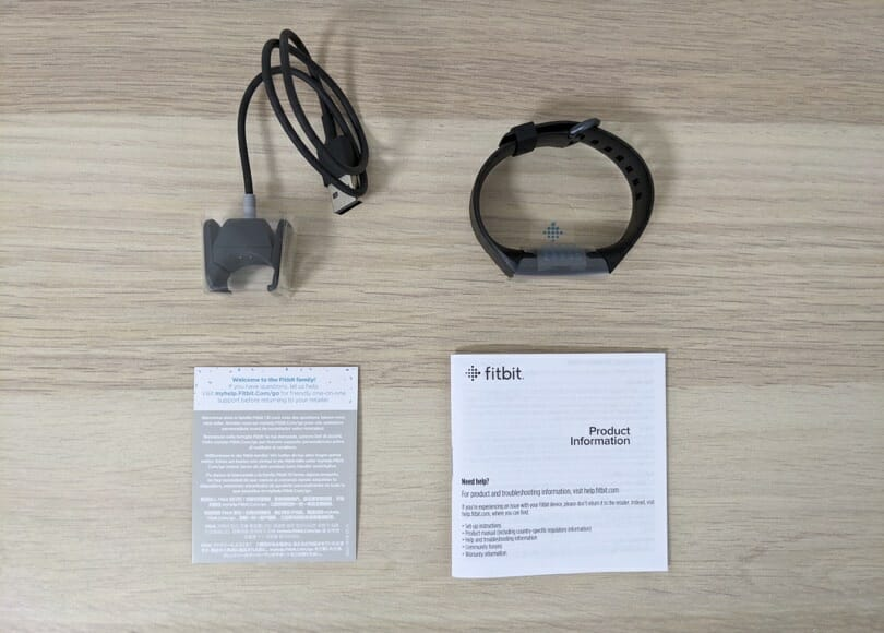 Suica対応Fitbit Charge 4同梱品