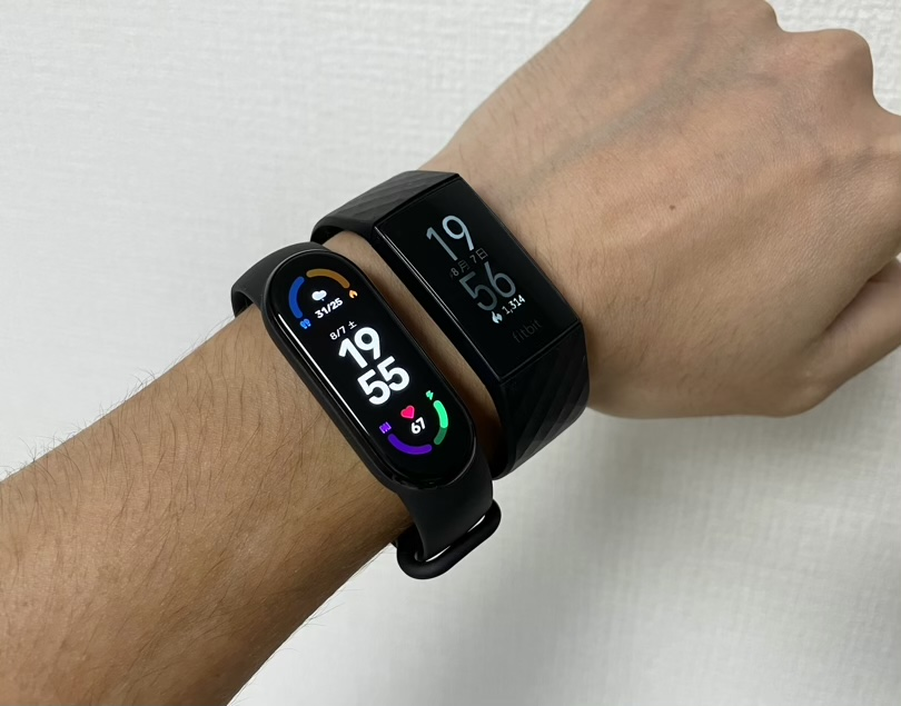 Fitbit Charge 4との比較